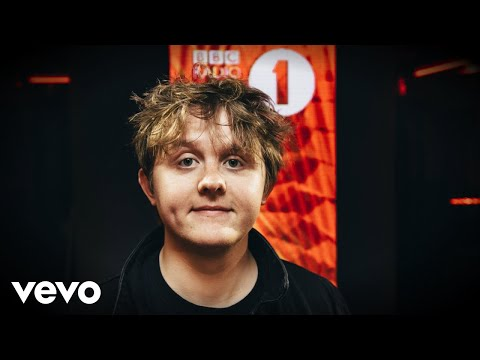 Lewis Capaldi - 2002 (Anne-Marie cover) in the Live Lounge