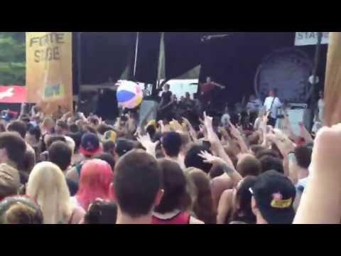 Bring Me The Horizon Wall of Death at Warped Tour Holmdel NJ