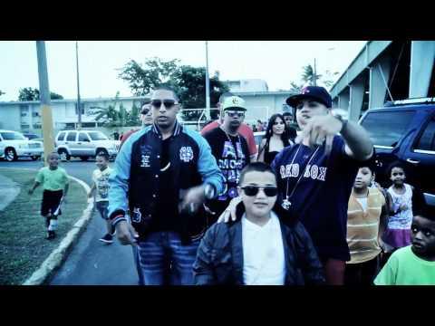 Xavi The Destroyer Ft. J Alvarez Y Nengo Flow @ Caminando Por La Calle (Official Video)