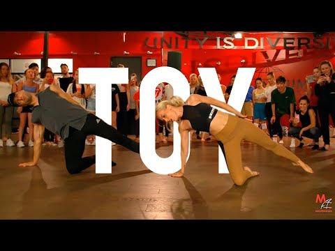 "Netta - ""TOY"" l Choreography by @NikaKljun (Eurovision winner 2018)"