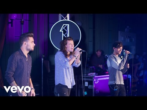 One Direction - Torn (Natalie Imbruglia cover in the Live Lounge)