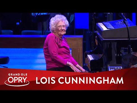 "Josh Turner's Grandma, Lois Cunningham - ""How Great Thou Art"" | Live at the Grand Ole Opry | Opry"