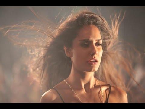 Manali Trance - Video Lyrics   Yo Yo Honey Singh & Neha Kakkar   The Shaukeens   Lisa Haydon