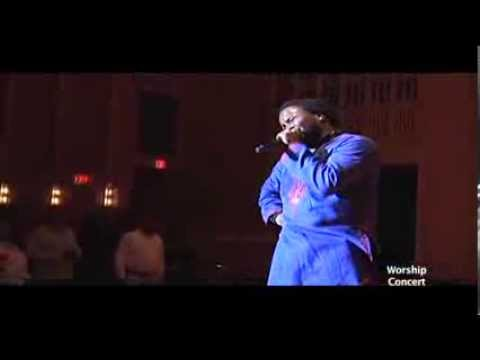 Sonnie Badu and Midnight Crew In worship at Jesus House Chicago