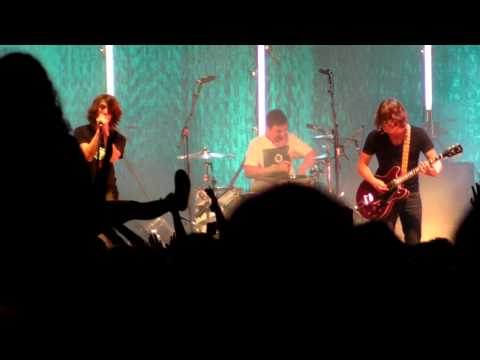 Arctic Monkeys - Leave Before The Light Come On  (Rock for People/Czech Republic) Live 2009