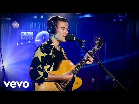 Harry Styles - The Chain (Fleetwood Mac cover) in the Live Lounge