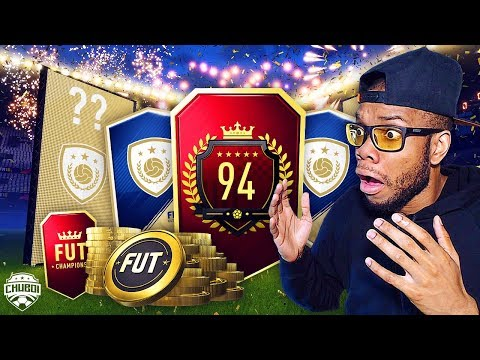 INSANE ICON IN TOP 100 MONTHLY REWARDS PACK!!!   FIFA 18 ULTIMATE TEAM