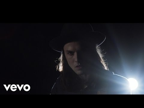 James Bay - Hold Back The River (Official Music Video)